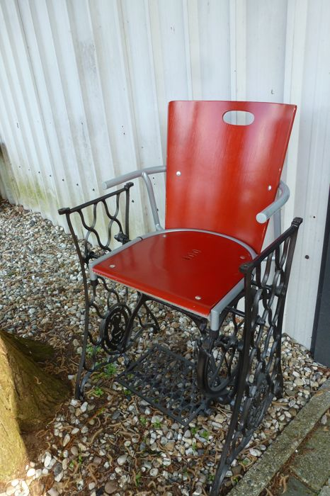 Singer Chair Made From An Old Treadle Sewingmachine Catawiki Best Old Singer Sewing Machine Chairs