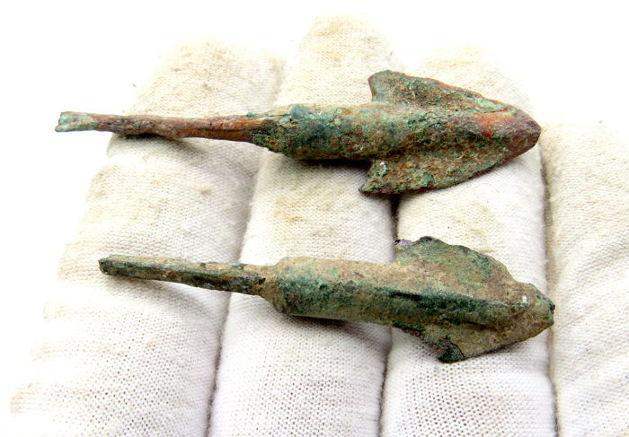 Pair of Ancient Greek Arrowheads - 52-65 mm (2)