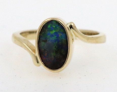 Women's ring 18 kt / 750 yellow gold with opal triplet size 48 (EU)