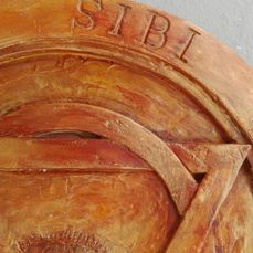 Large round bas-relief with symbols and inscription - 8