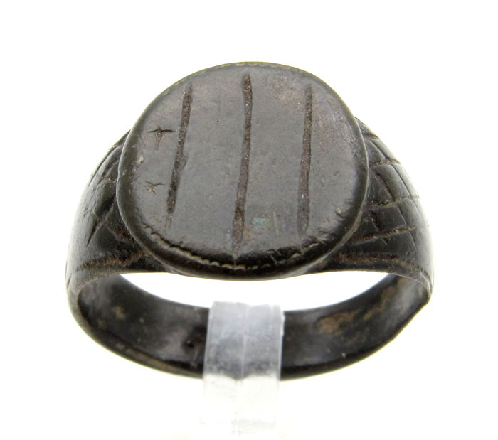 Ancient Roman Bronze Legionary Ring with 3 Lines on bezel  - 20 mm