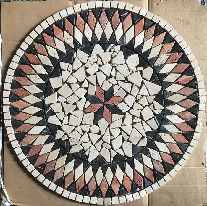 Round mosaic in various marbles - Italy - ca. 1990s