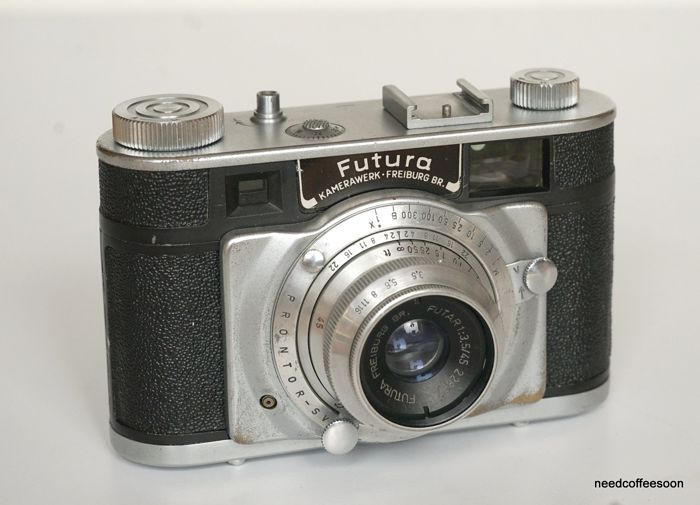 Futura-P rangefinder camera with interchangeable Futar 45/3.5 lens