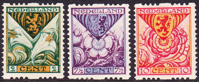 The Netherlands 1925 - Child relief stamps, syncopated perforation - NVPH R71/73