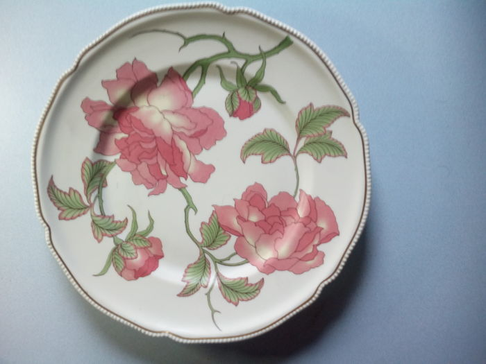 Rosenthal - large dish with floral decoration of roses