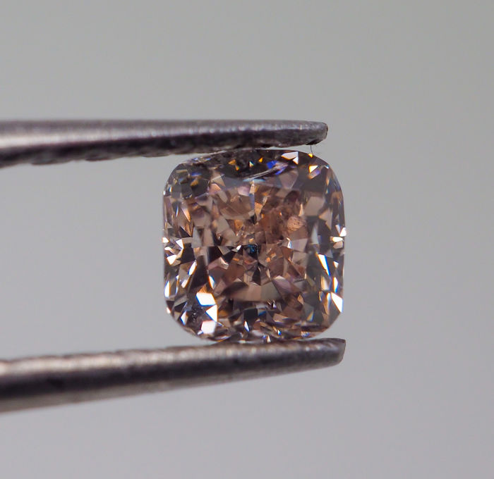 0.32 ct - Natural Fancy Diamond - Orangy Pink - VS1 *NO RESERVE*