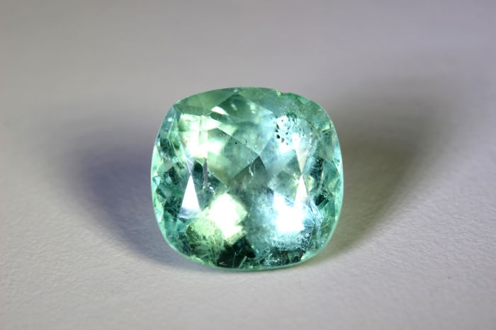 Emerald - 9.74 ct - Colombia