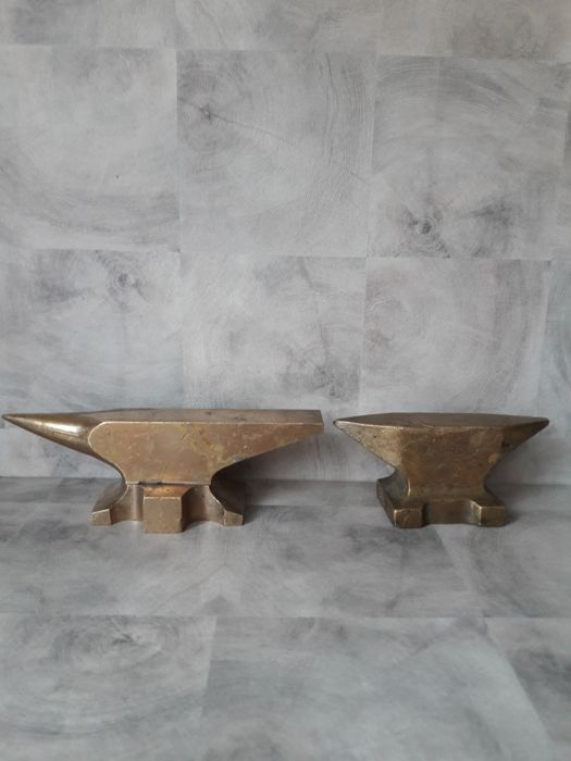 Two small jeweller's anvils in bronze from the early 19 th century