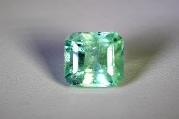Emerald - 8.78 ct - Colombia