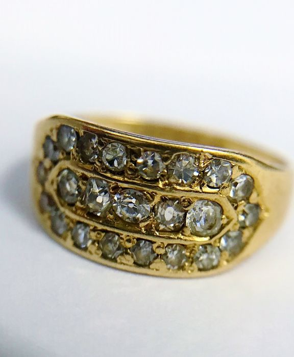 18ct Yellow Gold 1896 Diamond Dress Ring