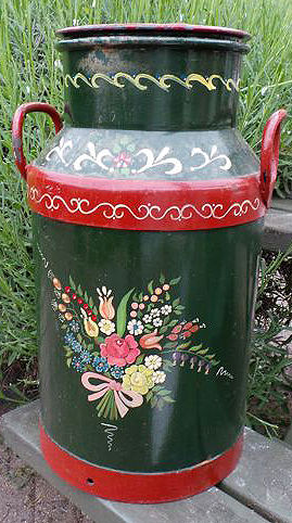 Hindelopen hand painted milk churn, Netherlands, mid 20th century
