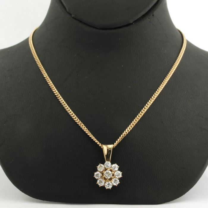 14 kt rose gold necklace with a rose gold entourage pendant, set with 9 Bolshevik cut diamonds, approx. 1.00 ct in total