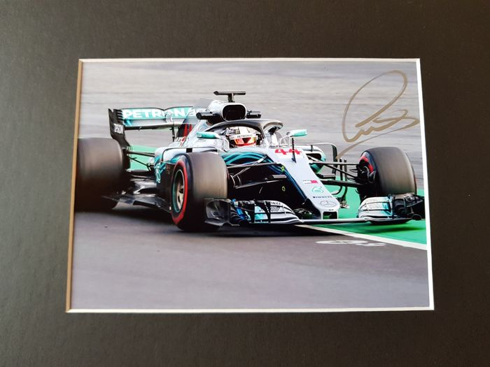 Lewis Hamilton - 4x World Champion Formula 1 - hand signed photo Monaco 2018 + COA