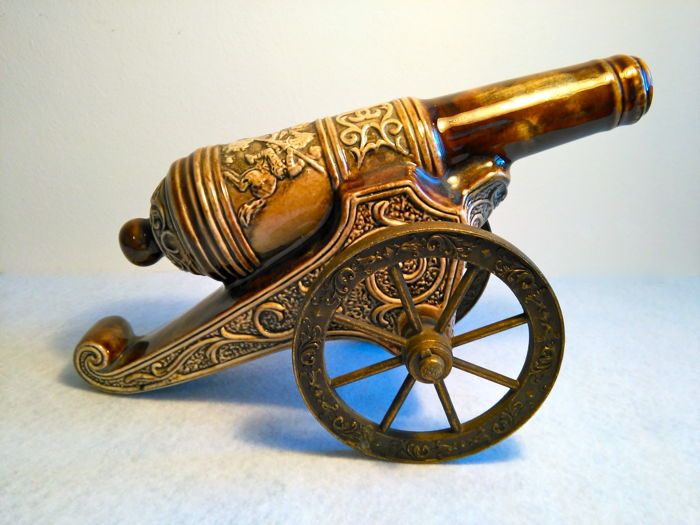 Beautiful miniature of a richly decorated cannon: symbolic representation of Saint George and the Dragon