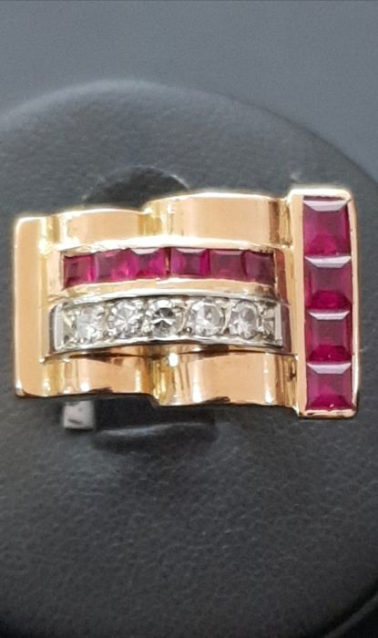 40s tank ring in 750 rose gold set with 0.25 ct of diamonds and 0.70 ct of vintage calibrated synthetic rubies.