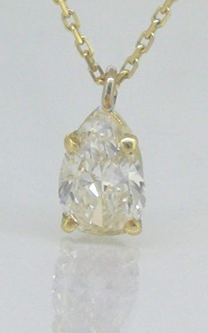 Necklace with pear cut diamond of 0.70 ct *** No reserve price ***