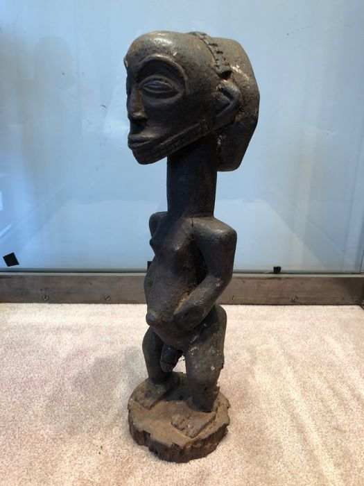 Very beautiful ancient statuette carved in wood - LUBA / HEMBA - Former Belgian Congo