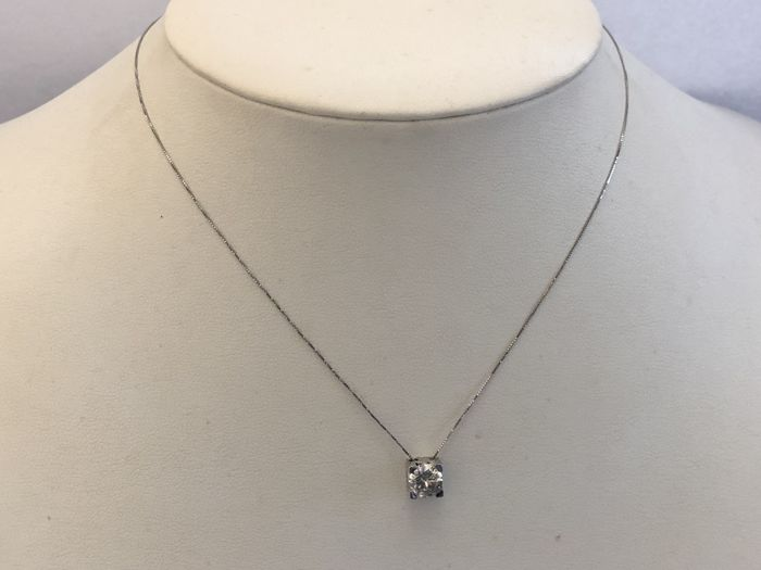 18 kt (750) white gold necklace with 0.99 ct diamond