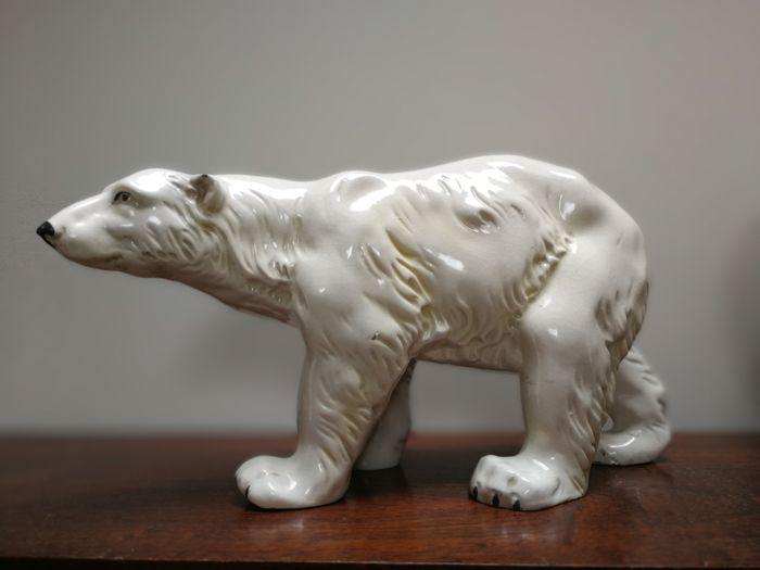 Polar bear - Art Deco ceramic sculpture