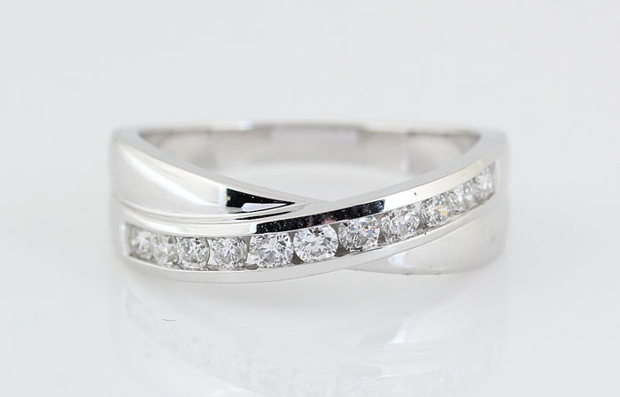 14kt wit goud diamanten ring 0.50ct / gewicht: 5.70gr / G-H - VVS2-VS2 / ringmaat:  56 /