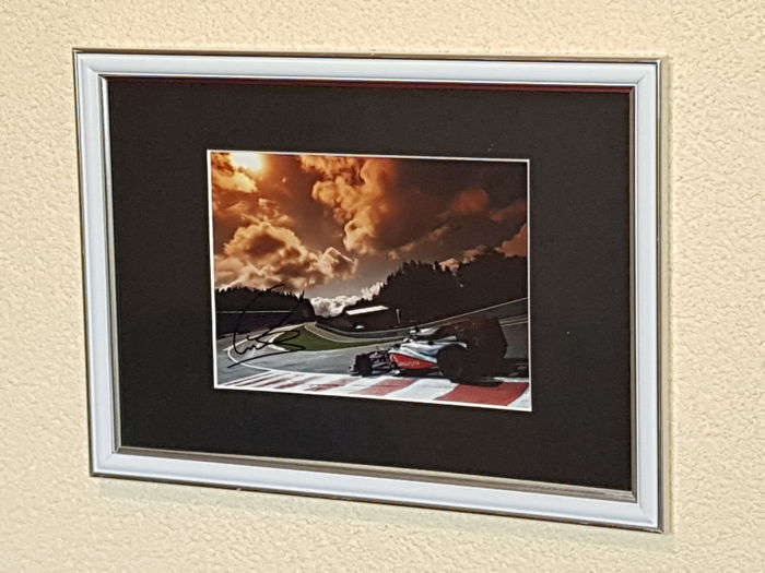 Lewis Hamilton - 4x World Champion Formula 1 - hand signed photo Eau Rouge Spa + COA