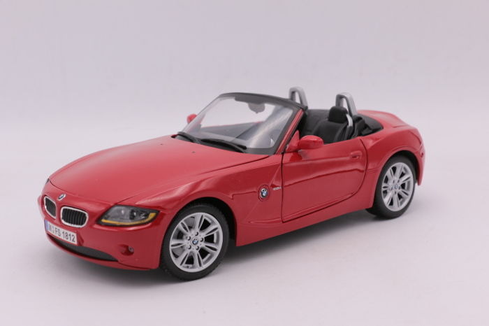 Maisto - 1:18 - Special Edition - BMW Z4 - Color: Red