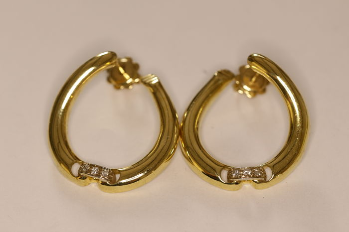 Earrings 1970s in 18 kt gold set with brilliant-cut diamonds