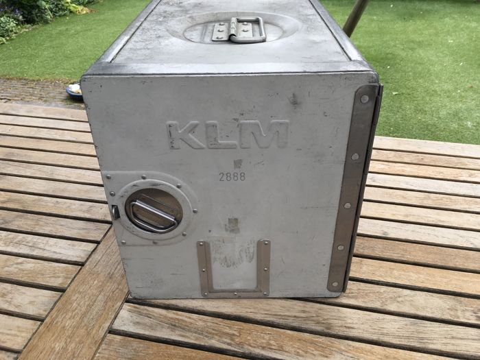 KLM catering container