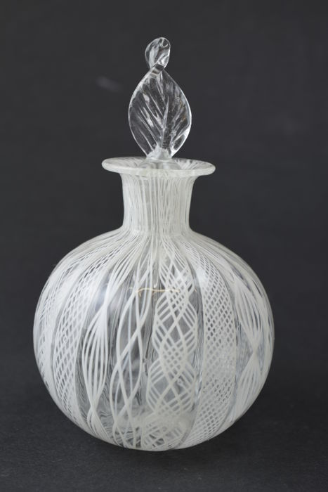 A.VE.M.  (Murano) - Pair of collectable Reticello bottles