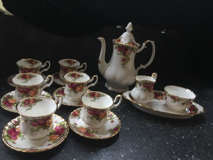 Royal Albert - 10 part coffee service 'Old Country Roses'