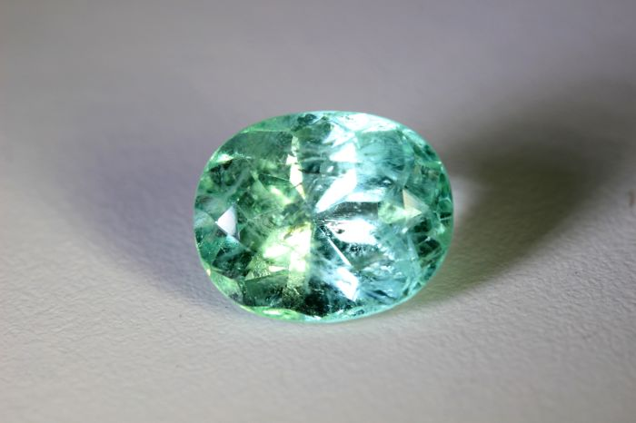 Emerald - 8.97 ct - Colombia