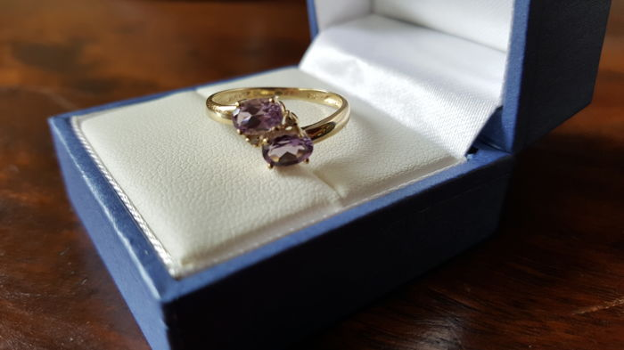 Yellow Gold Ring set with 2 Natural Amethysts and Diamonds - NO RESERVE PRICE!