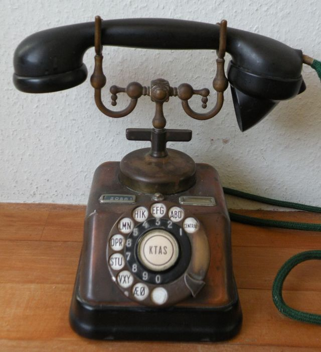 Telephone. Danish. KTAS.