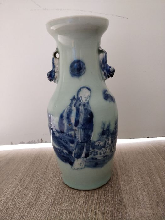Blue and white vase in porcelain, celadon bottom - China - 19th century