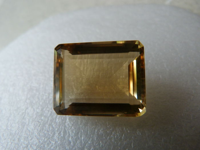 Yellow citrine worth 29.97 ct
