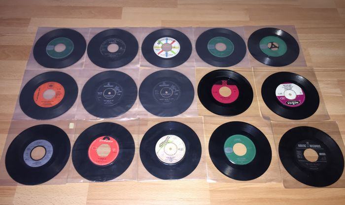 Lot of 40x nice 45RPM vinyl Jukebox Singles