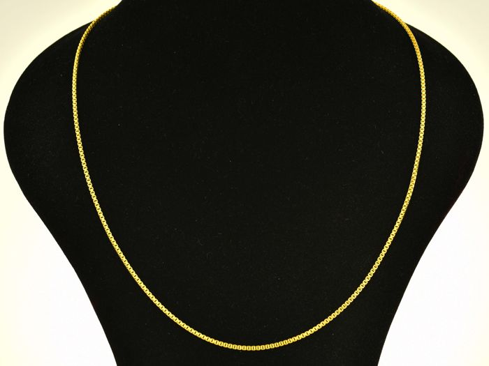 Gold, 18 kt Chain necklace. Length: 55 cm. Weight: 15.6 g