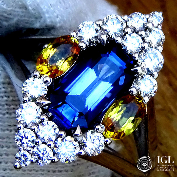 Sapphire Ring 2.83 ct Cocktail Diamond And Natural CEYLON BLUE SAPPHIRE Gemstone in 18 kt white gold Size 6.5 US / 17 / 53 EU – Certified – ***No Reserve Price***