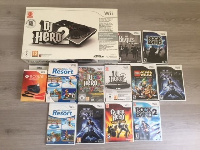 Nintendo Wii Accessoires and 10 games.