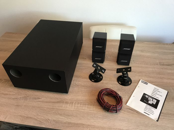 complete bose acoustimass 5 series 1 speaker system + cables and with the  original wall brackets