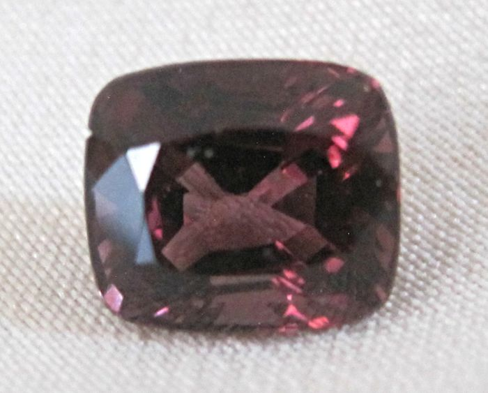 Spinel 1.51ct brownish red