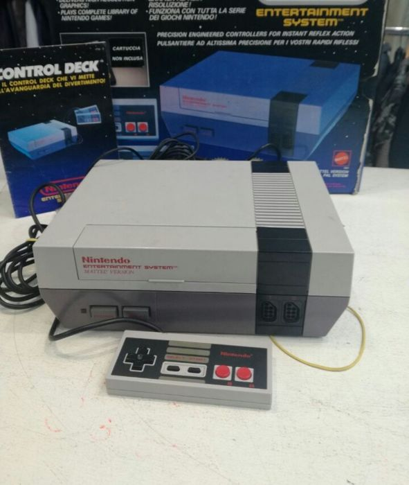 Nintendo Nes Control Deck boxed - with 3 Games like Donkey Kong and more