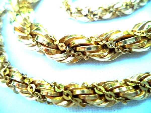 Necklace in yellow gold 18 karat