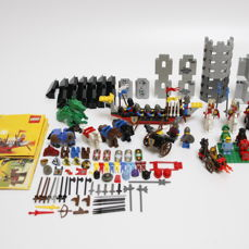 Assorted - 6 castle sets plus mini figures, accessories and spare parts
