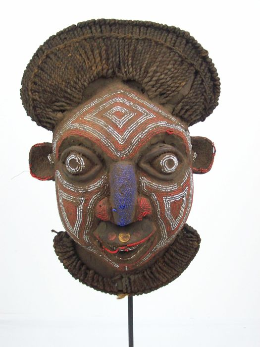 BAMILEKE Mask, Cameroon Grasslands, African Crest Mask with Beads incl. Iron Stand