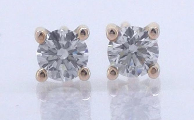 Solitaire ear studs set with 2 brilliant cut diamonds, 0.40 in total, **No reserve price****