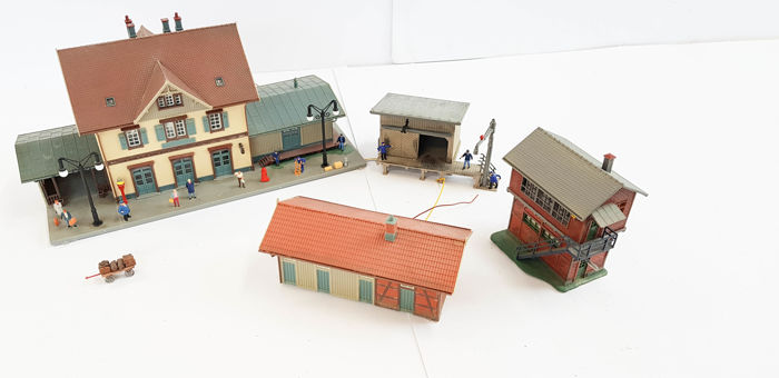 Faller H0   Scenery   Station, Signal Box, Storage Sheds With Lighting