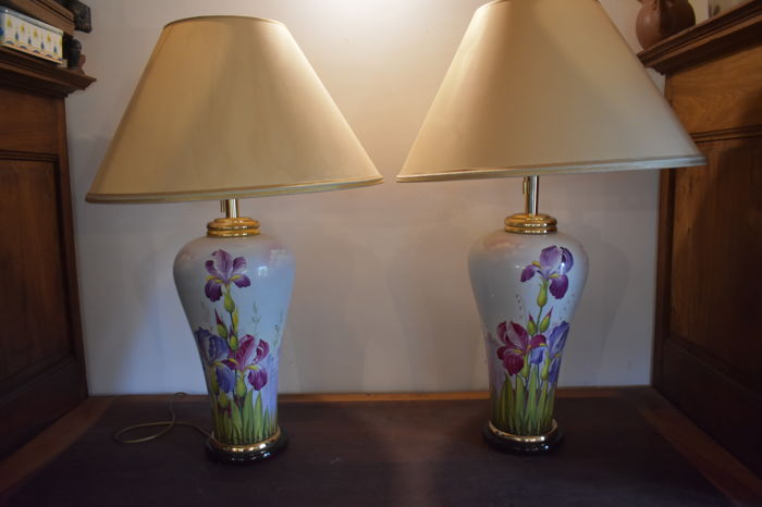 Decorative pair of lamps with painted irises on pottery - signed C. Niccolier - 1970s - France
