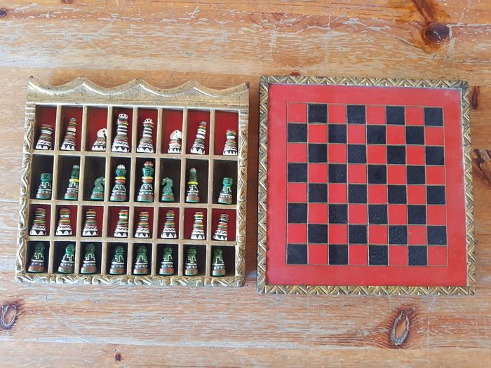 Vintage hand painted wooden Chess Set - 21.5 x 21.5 - 580 g