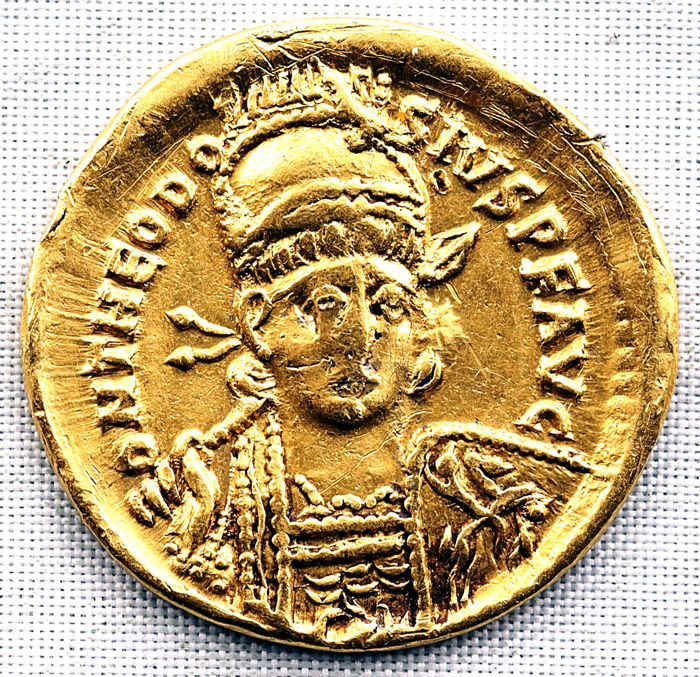Byzantine Empire - Solidus,  Teodosio II (402-450 d.C.) - Constantinopla, 420/2 d.C. Officina 4 - Gold